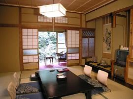 """""""Học Lỏm"""" Cách Trang Trí Nội Thất Phòng Khách Vừa Đẹp Vừa Gọn Gàng Của Người Nhật"""