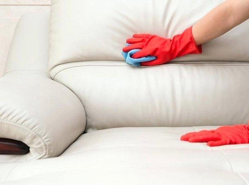 4 bước làm sạch bộ ghế sofa gia đình