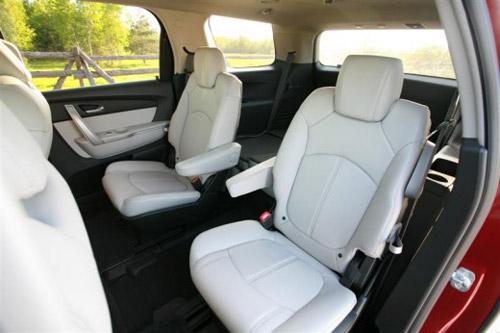 Bọc ghế cho xe hơi nhà bạn