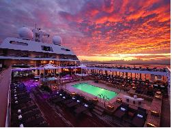 Khung cảnh như thiên đường trên những du thuyền sang chảnh nhất thế giới
