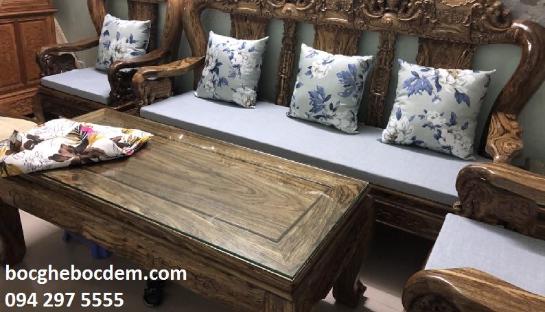 Làm đệm ghế gỗ nhà anh Minh quận Hoàn Kiếm