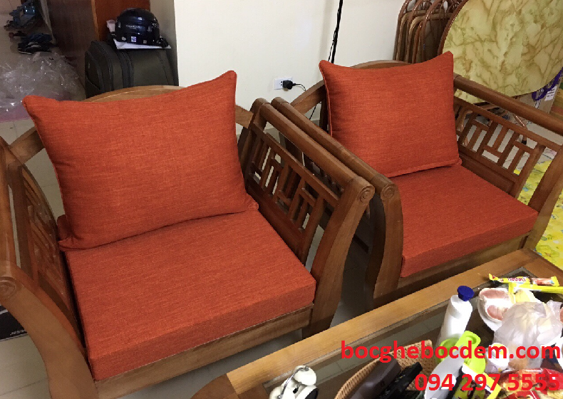 Làm đệm ghế gỗ nhà chị Phương quận Hoàn Kiếm