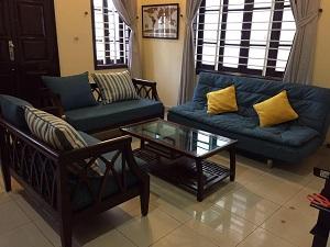 Tư vấn cách mua và bố trí ghế gỗ cho phòng khách