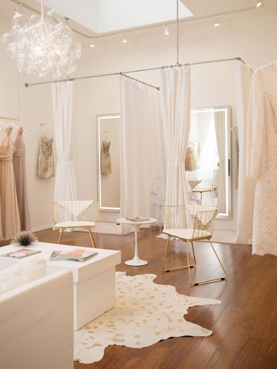 Bọc ghế sofa cho cửa hàng thời trang