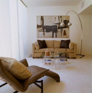 Điểm nhấn và sức ấn tượng từ sofa là bước đệm đầu tạo sự cuốn hút cho không gian nhà