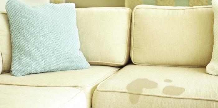 Làm thế nào để làm sạch bọc ghế sofa của chính mình