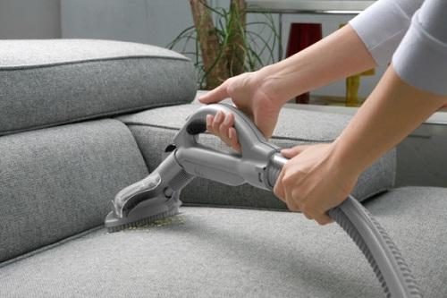 Làm thế nào để vệ sinh ghế sofa tại nhà đơn giản mà hiệu quả?