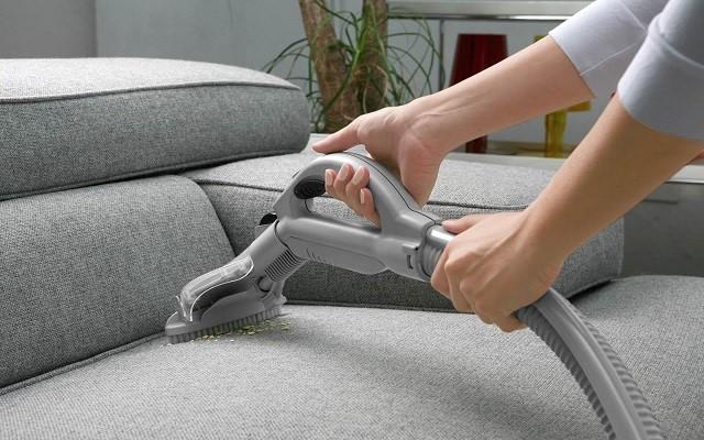 Liệu bạn đã vệ sinh cho bộ ghế sofa gia đình đúng cách
