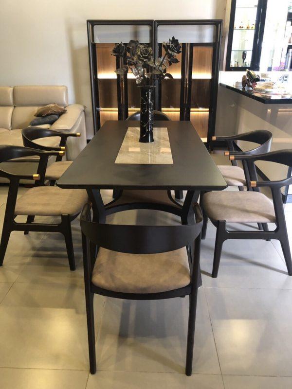 Lựa chọn bọc ghế bàn ăn cho phòng bếp thêm xinh và đẹp mắt