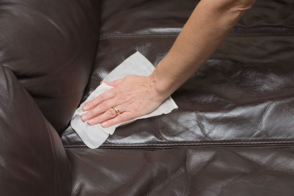 Mẹo xử lý bọc ghế sofa da bị nấm mốc sạch như mới