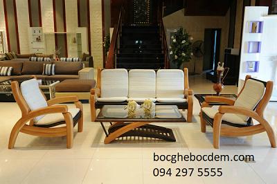 Nên bọc ghế sofa bằng vải hay da?