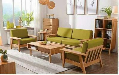 Tô điểm cho bộ sofa gỗ bằng những chiếc đệm sắc màu