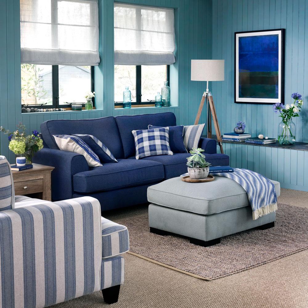 Trang trí lại chiếc ghế sofa của bạn với phong cách mùa hè