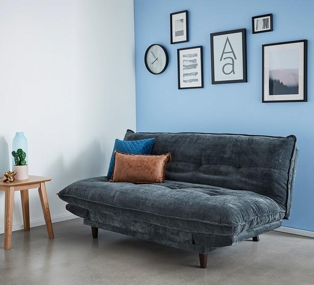 Vệ sinh và bảo quản sofa nhung không còn là chuyện khó khăn đối với bạn