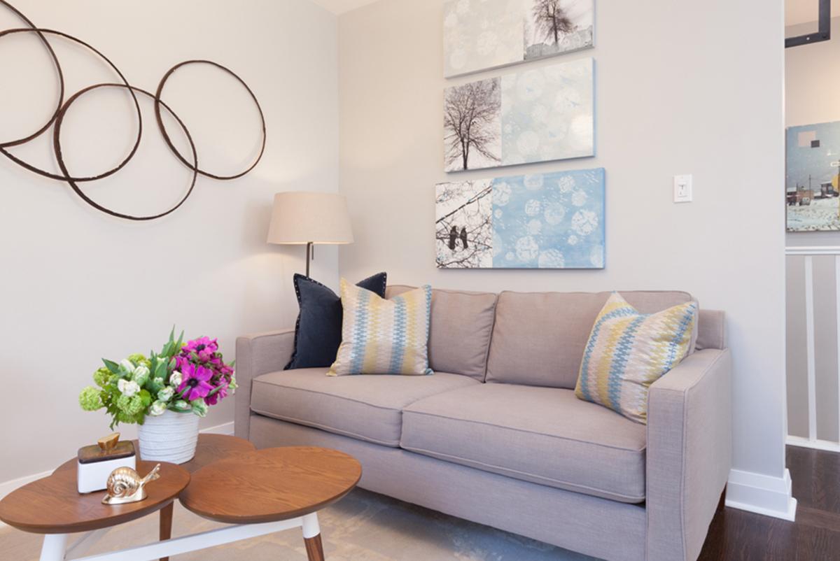 Ý tưởng với sofa trang trí lại cho căn phòng có không gian nhỏ